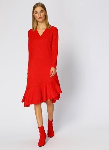 Random V Yaka Volanlı Midi Elbise Kırmızı